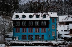 Błękita dom w Czarnym lesie Fotografia Royalty Free