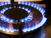Błękita ogień od domowej kuchennej kuchenki, benzynowy palenie płonie obraz stock
