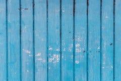 Błękitna drewniana ściana z krakingową farbą Fotografia Royalty Free