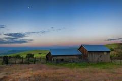 Błękitna godzina przy Kolumbia wzgórzy terenu Naturalną prezerwą i stanu parkiem Zdjęcia Royalty Free