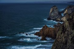 Błękitna godzina przy przylądkiem Cabo da Roca fotografia stock