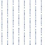 Błękitna i biała prosta geometryczna ręka rysująca paskuje bezszwowego wzór, wektor ilustracja wektor