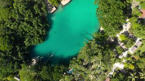 Błękitna laguna od trutnia, Port Vila, Efate, Vanuatu zbiory wideo