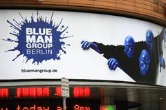 Błękitna Man Group reklama Zdjęcia Stock