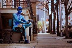 Błękitna Mannequin ulicy scena Fotografia Stock