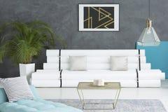 Błękitna materac w żywym pokoju ilustracji