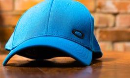 Błękitna Oakley baseballa nakrętka zdjęcia royalty free