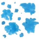Błękitna plama akrylowa lub akwarele na białym papierze Zdjęcie Royalty Free