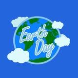 Błękitna ziemskiego dnia typografia z białym konturem przy tłem ziemię z atmosferą i chmurą szczęśliwy ziemski dzień, 22 Kwiecień royalty ilustracja