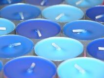 błękitne świece. Zdjęcia Stock