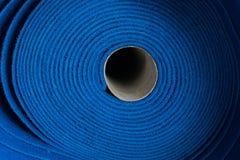 Błękitne dywan rolki w fabryce zdjęcia royalty free