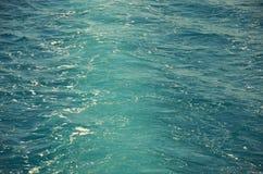 Błękitne morze fala i nawierzchniowej wody tło Zdjęcia Royalty Free