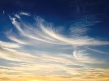 błękitne niebo białe chmury niebieskie niebo białe chmury Zdjęcia Stock