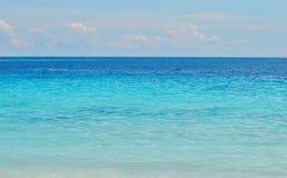 błękitne niebo na plaży Fotografia Royalty Free