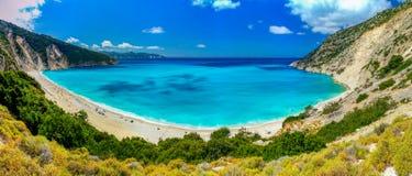 Błękitne wody plaża w Grecja Zdjęcia Stock