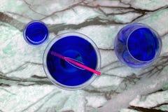 Błękitnego Ciekłego pluśnięcia tequila ajerówki spragniony tropikalny biel obrazy stock