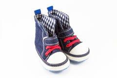 Błękitnego dziecka buty odizolowywający na białym tle Obrazy Royalty Free