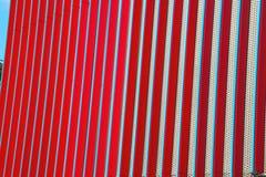 błękitnej czerwieni abstrakcjonistyczny metal w englan London poręcza backg i stali fotografia royalty free