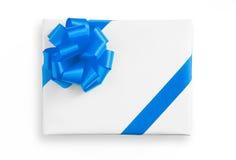 Błękitnej gwiazdy faborek na Białym papierowym pudełku Zdjęcia Stock