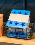 Błękitnej gwiazdy krzemu kostki lodu taca w koszu dla sprzedaży Obraz Stock