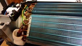 Błękitni Chłodniczy ostrza lotniczy conditioner kondensator obrazy stock