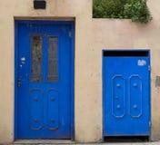 Błękitni drzwi Neve Tzedek zdjęcia stock