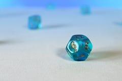 Błękitni gemowi kostka do gry d12 Fotografia Royalty Free