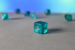 Błękitni gemowi kostka do gry d6 Obrazy Royalty Free