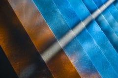 Błękitni i pomarańcze barwioni schodki Fotografia Stock