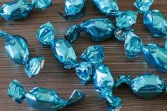 Błękitni jaskrawi cukierki Obrazy Stock