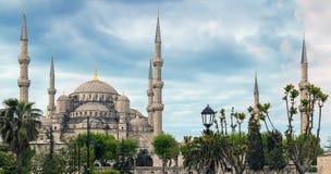 Błękitni meczetu sześć minarety i osiem drugorzędni kopuł, Istanbuł, Su Obraz Stock