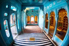 Błękitni pokoje w miasto pałac zdjęcie royalty free