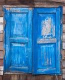 Błękitni starzy okno fotografia stock