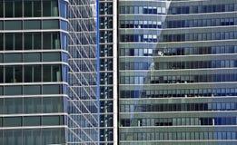 Błękitni szklani wysocy wzrosta budynku drapacze chmur Fotografia Royalty Free