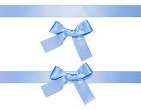 błękitny łęku odosobneni wieloskładnikowi faborki Zdjęcie Royalty Free