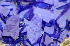 Błękitny łamający szkło na betonowej powierzchni - tekstura dla tła, projekt Zdjęcie Royalty Free