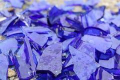 Błękitny łamający szkło na betonowej powierzchni - tekstura dla tła, projekt Obraz Royalty Free
