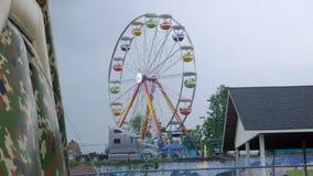 Błękitny Śliwkowy festiwal - Ferris koło zdjęcie stock