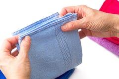 Błękitny bawełniany herbaciany ręcznik Obrazy Royalty Free