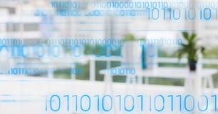 Błękitny binarny kod przeciw rozmytemu białemu biuru Obrazy Stock