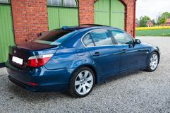 Błękitny BMW E60 545 i zdjęcia royalty free