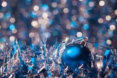 Błękitny bożego narodzenia bal Zdjęcia Stock