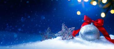 Błękitny Bożenarodzeniowy sezonów wakacji sztandar lub obrazy royalty free