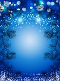 Błękitny Bożenarodzeniowy tło z śnieżnej i czarnej sosny świerczynami, iskrzasty zima wektoru tło Fotografia Royalty Free
