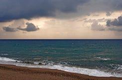 Błękitny burzowy morze Zdjęcia Stock