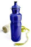 błękitny butelki pomiarowy plastikowy taśmy ręcznik Zdjęcie Royalty Free