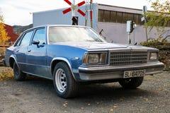 Błękitny Chevrolet Malibu sedan zdjęcie royalty free