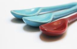 błękitny czerwieni łyżki Obrazy Stock