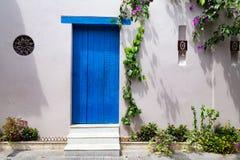 Błękitny drzwi w Cartagena Zdjęcia Stock