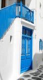 Błękitny drzwi z Błękitnymi schodkami Obraz Royalty Free